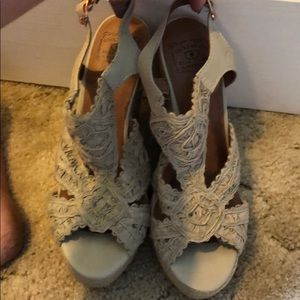Lucky brand tan wedges sandals!